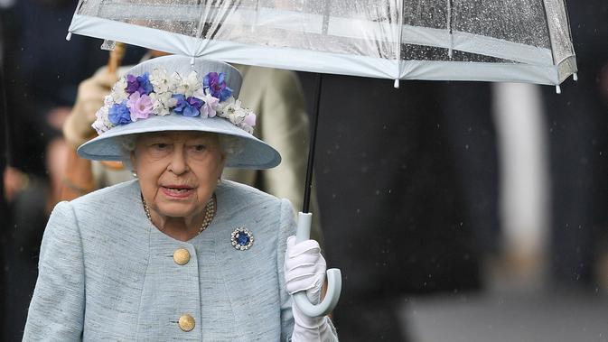 Fashion Ratu Elizabeth