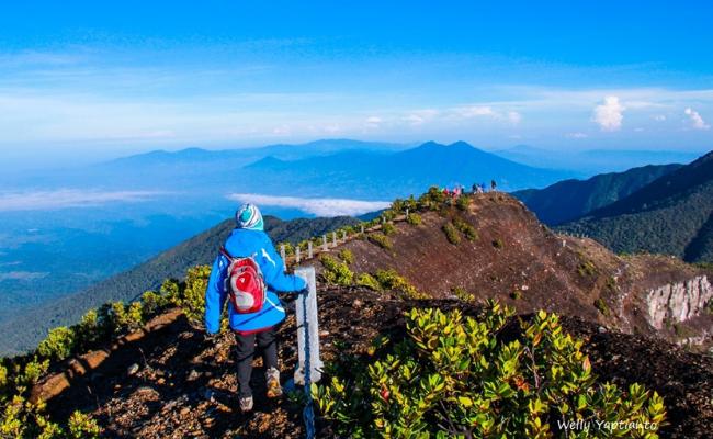 Wisata alam di Indonesia